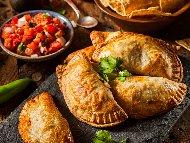 Рецепта Емпанадас с пилешко месо от гърди (филе) и картофи на фурна